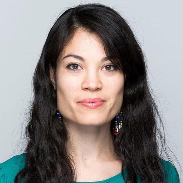 Smiling face of Lisa Asedillo Pratt